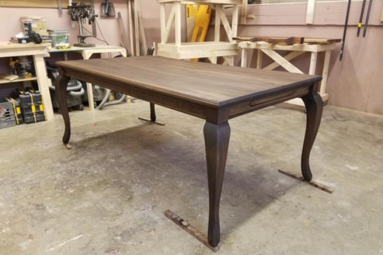 Black Walnut with Cabriole Legs and Skirt Molding Details